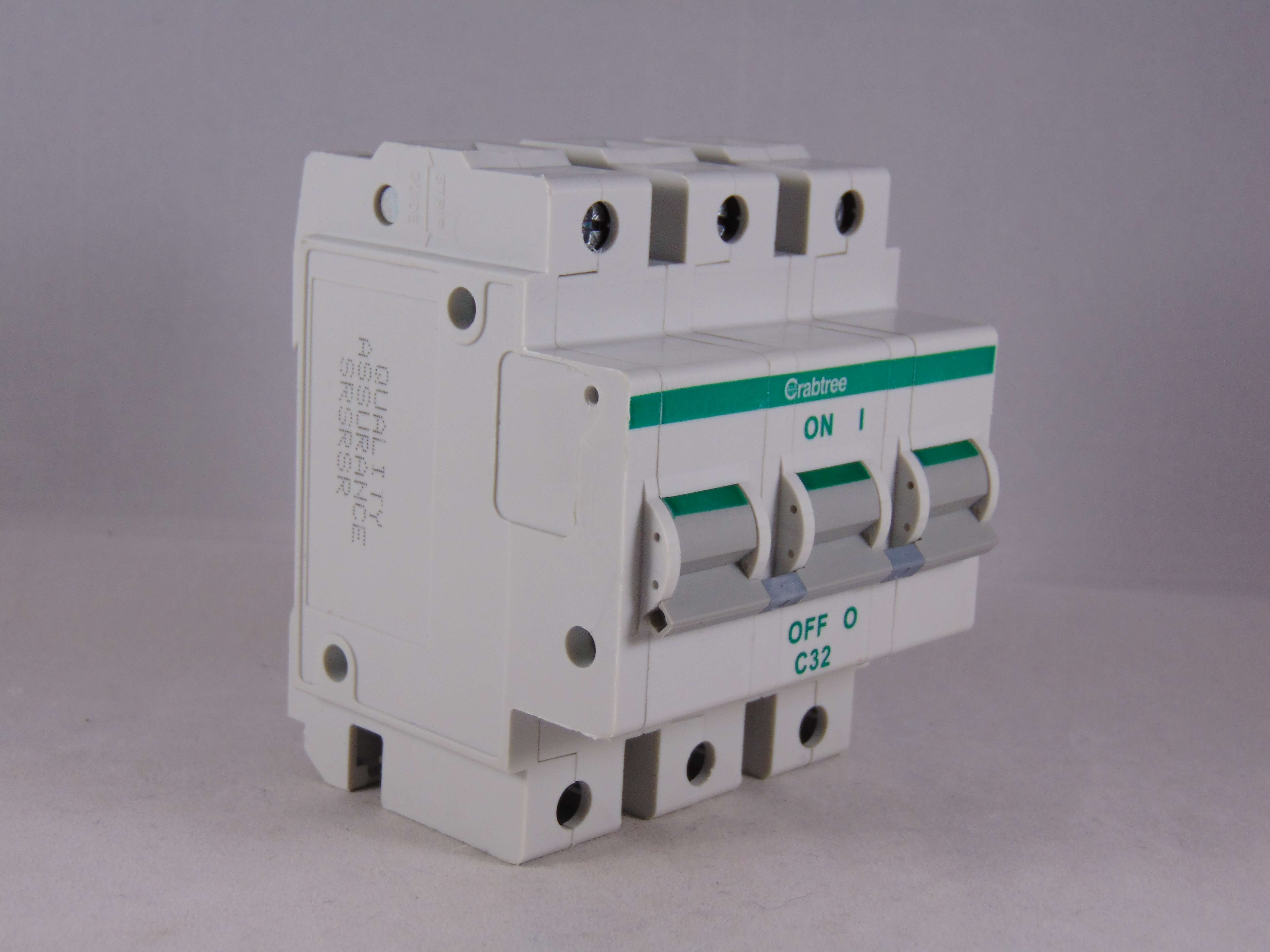 Crabtree Polestar 32 Amp Type C 30mA RCBO RCD CIRCUIT BREAKER 32A C32 602C/323 Circuit Breakers & Disconnectors Circuit Breakers