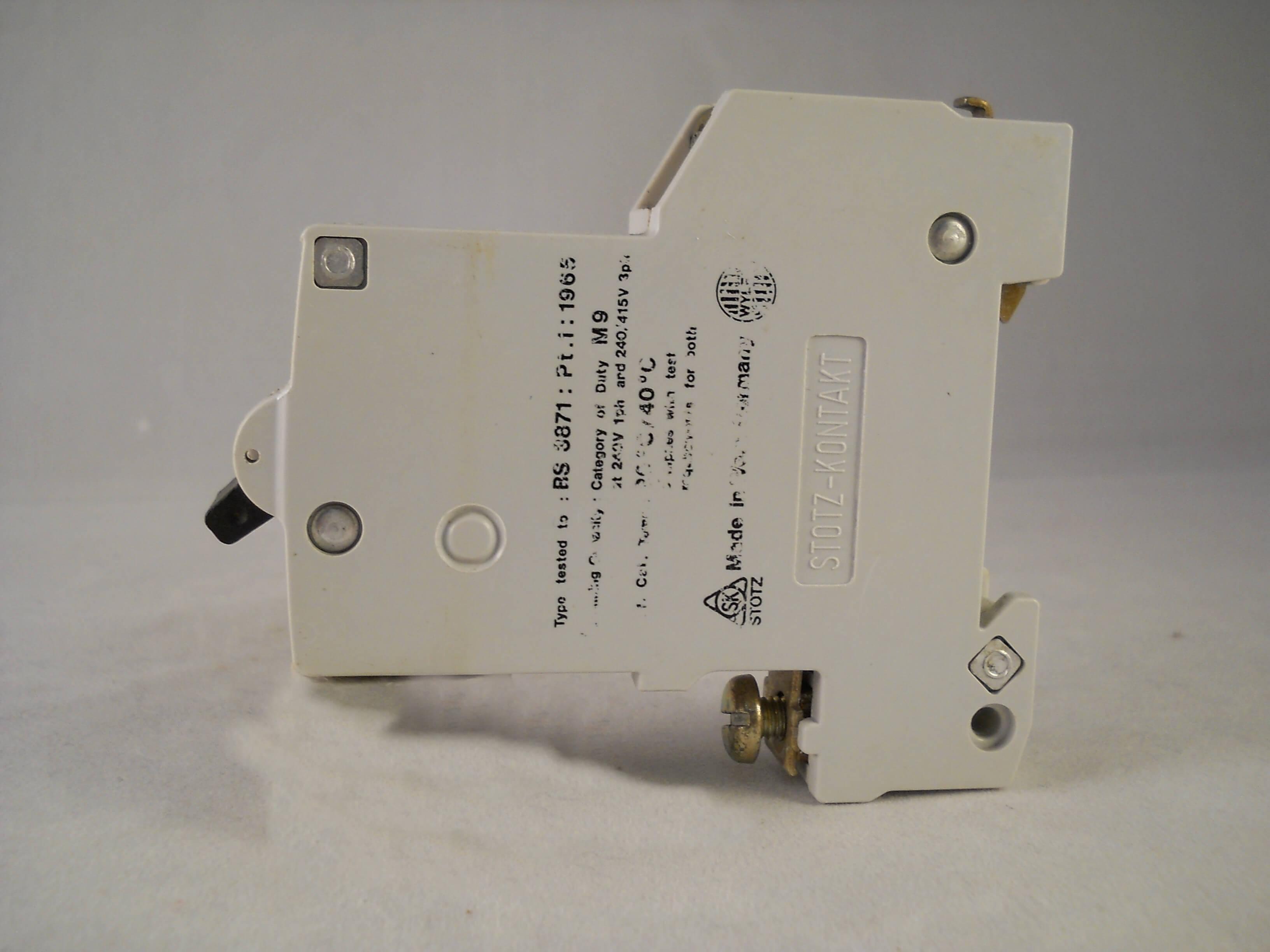 Wylex MCB 10 Amp M9 Type 2 Simple Pôle 10 A CIRCUIT BREAKER HB Stotz Kontakt HB10
