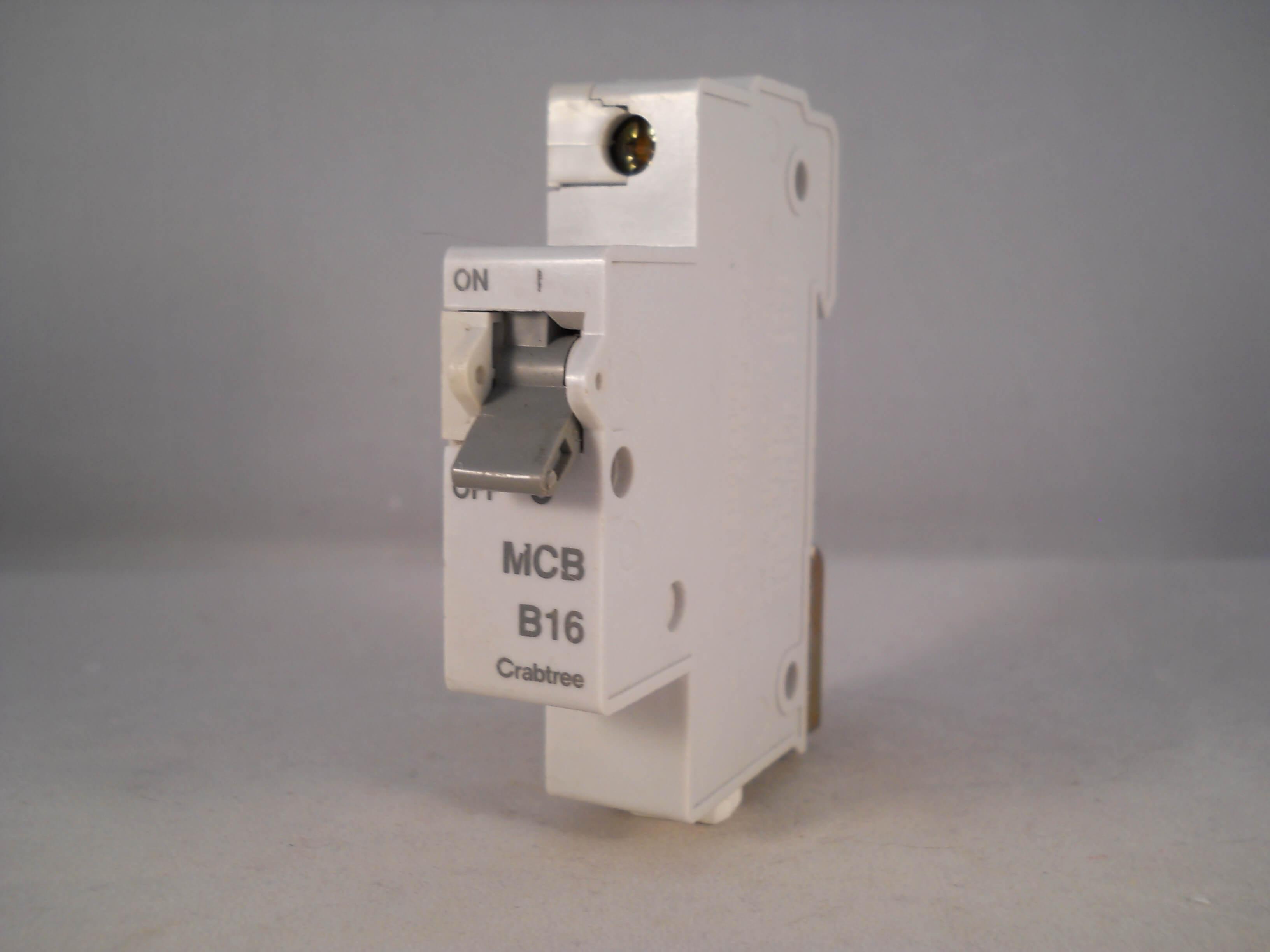 CRABTREE 16 AMP TYPE B M6 MCB CIRCUIT BREAKER STARBREAKER