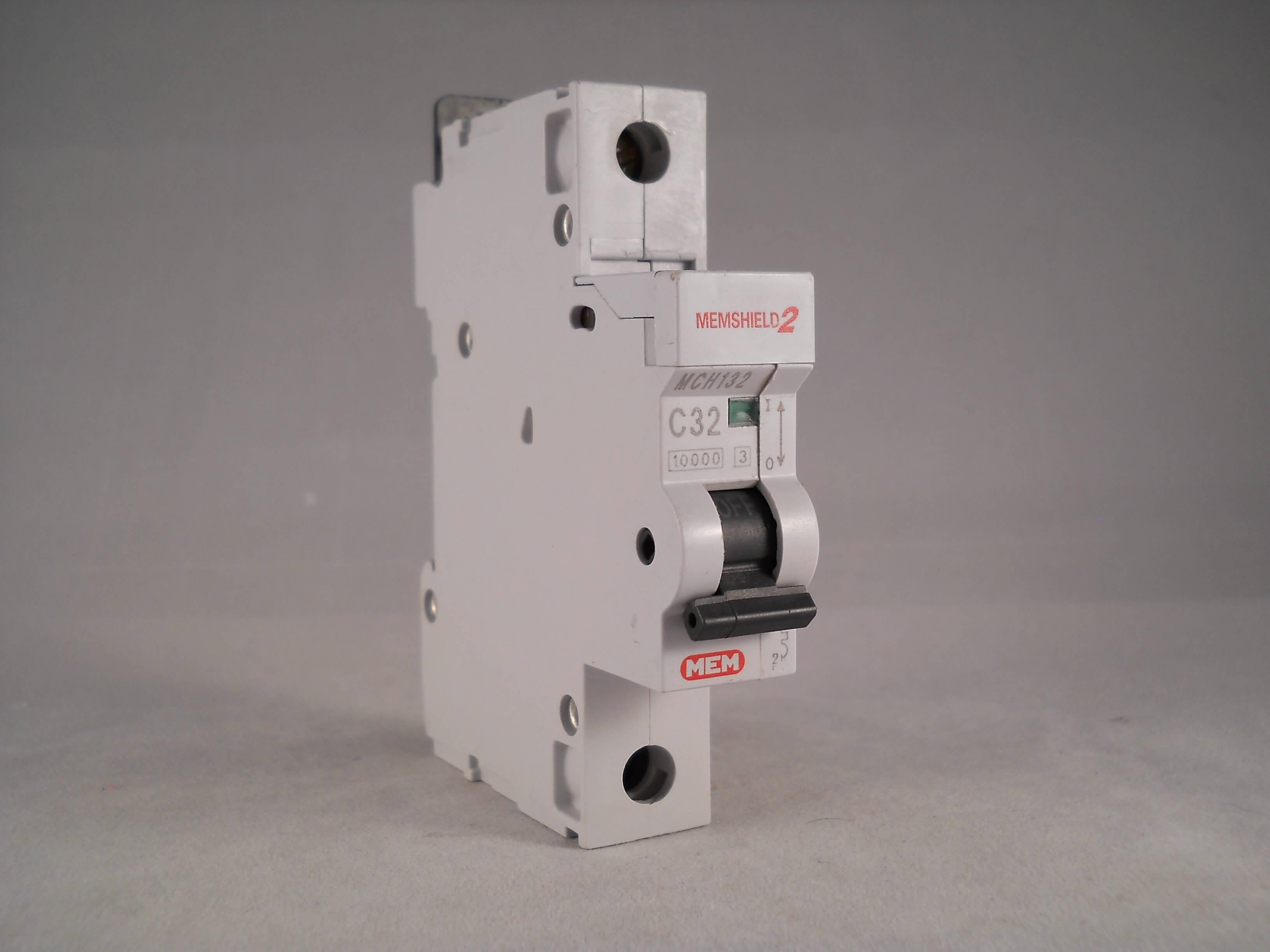 MEM Memshield 2 MCB 32 Amp Type C 32A Single Pole Circuit Breaker MCH132