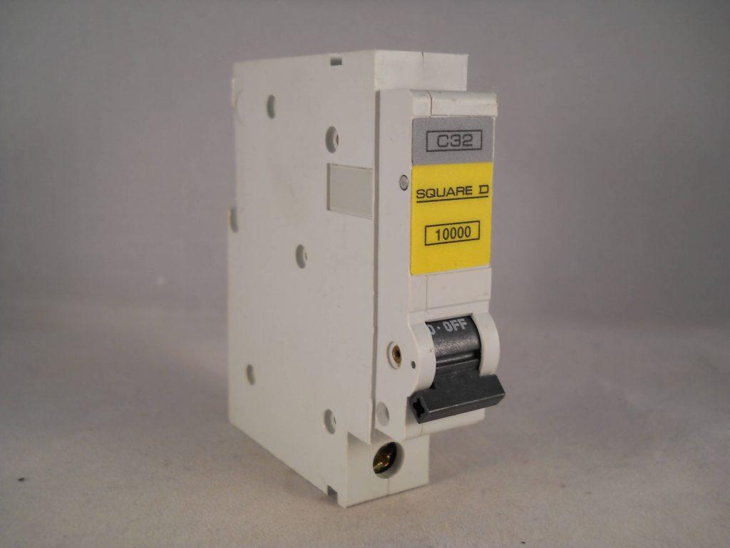 Square D Qoe Mcb 32 Amp Single Pole Qwikline Breaker Type