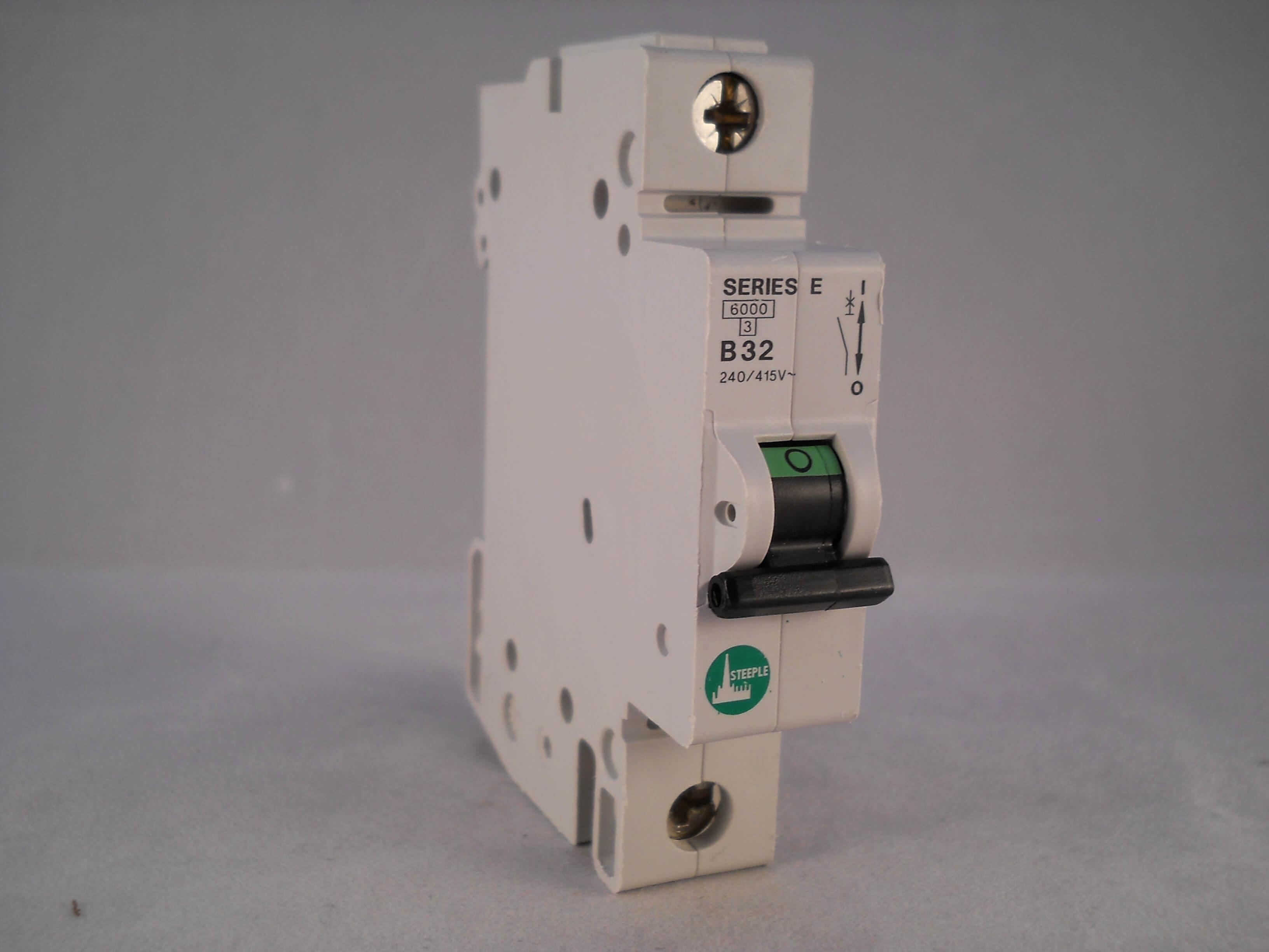GE Series E 10 Amp Type B Circuit Breaker MCB B10