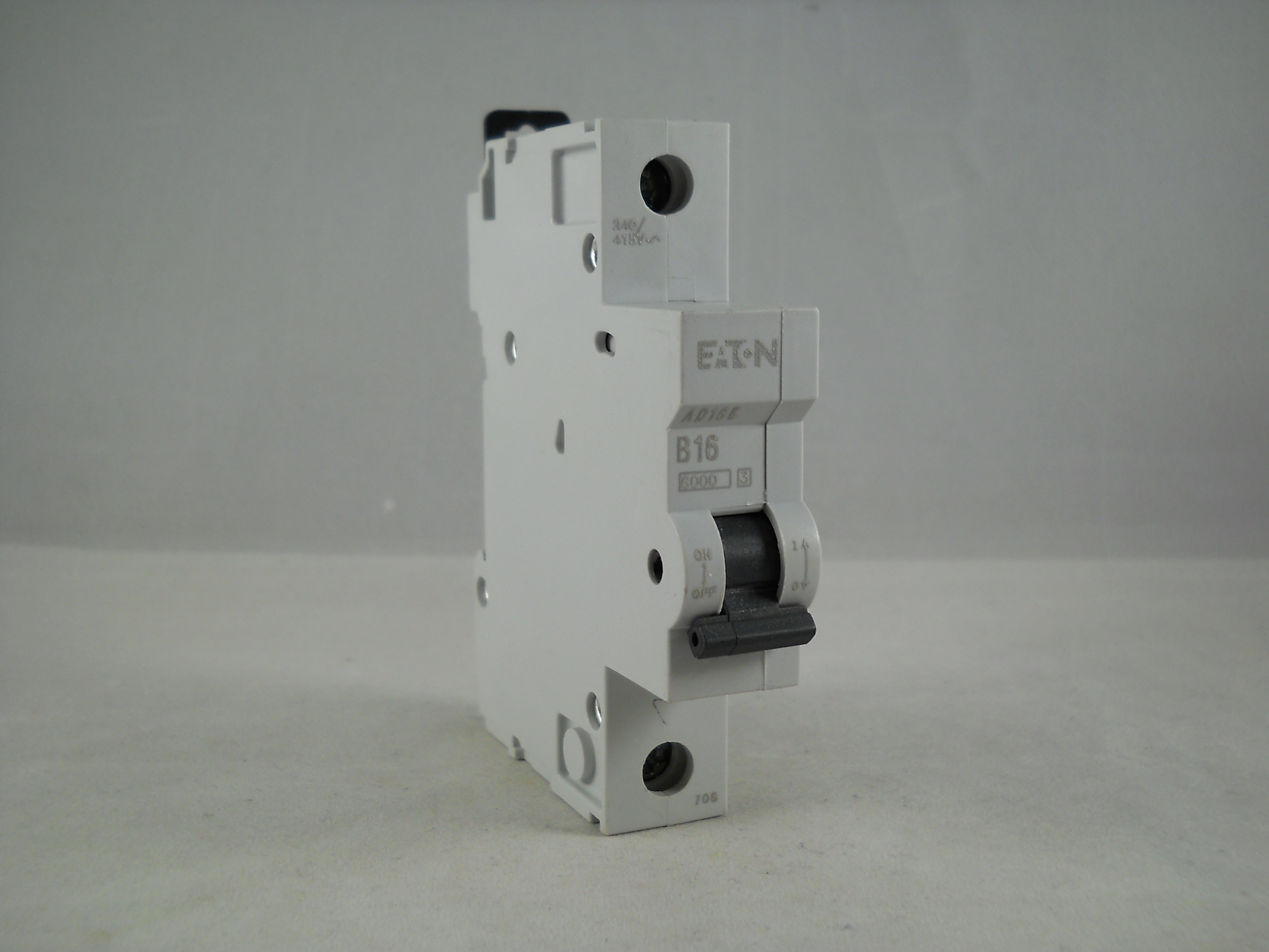 New MEM Eaton  2000 B16 AD16B MCB 16AMP Circuit Breaker