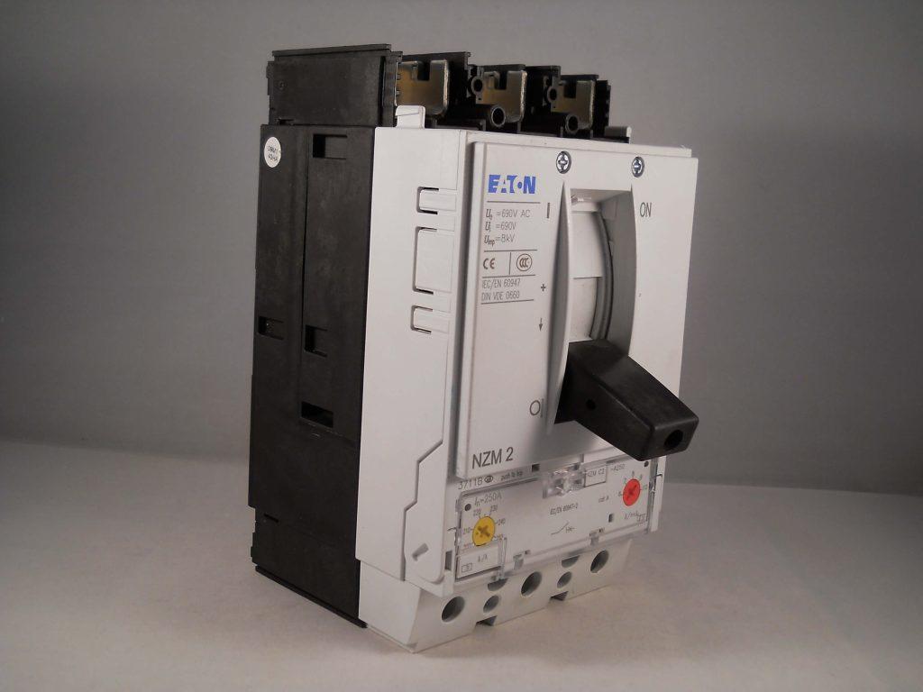 Nzmc A Bt X on Circuit Breaker Terminal Cover
