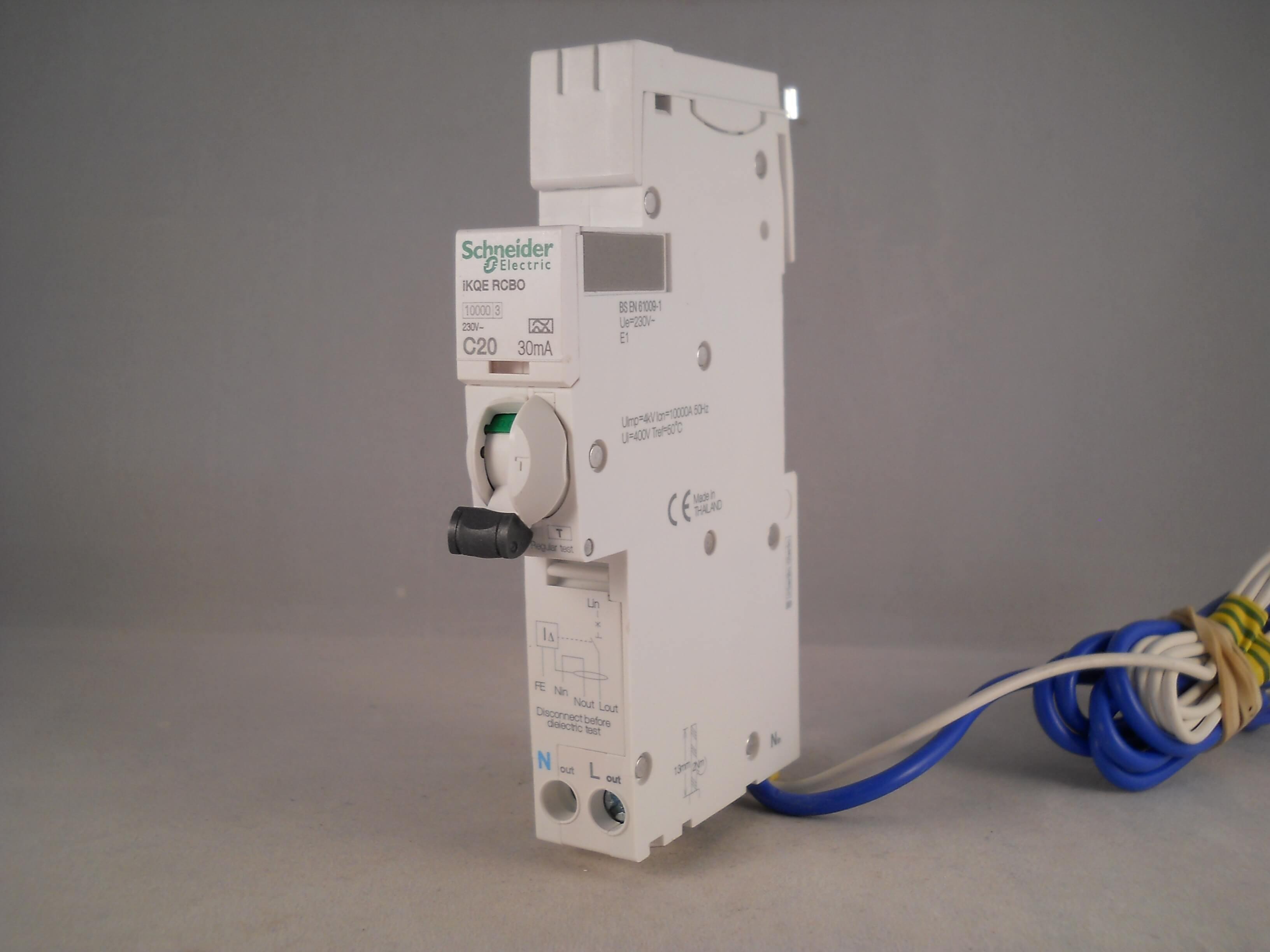Schneider A9D11816 16 Amp 30ma Type C Single Pole 10ka RCBO