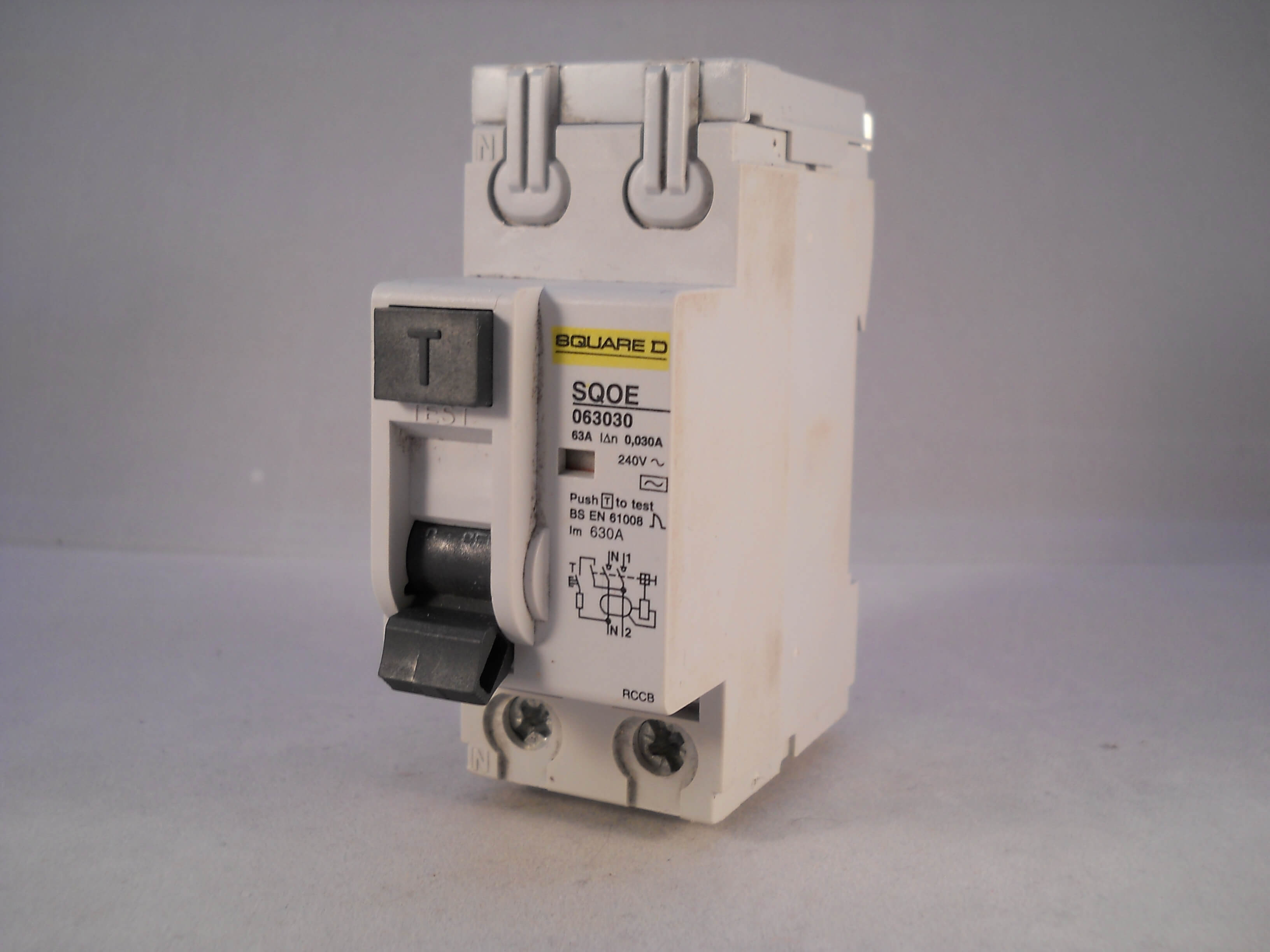 square d rccb 63 amp 30ma double pole 63a qwikline rcd sqoe063030 rh willrose electrical co uk