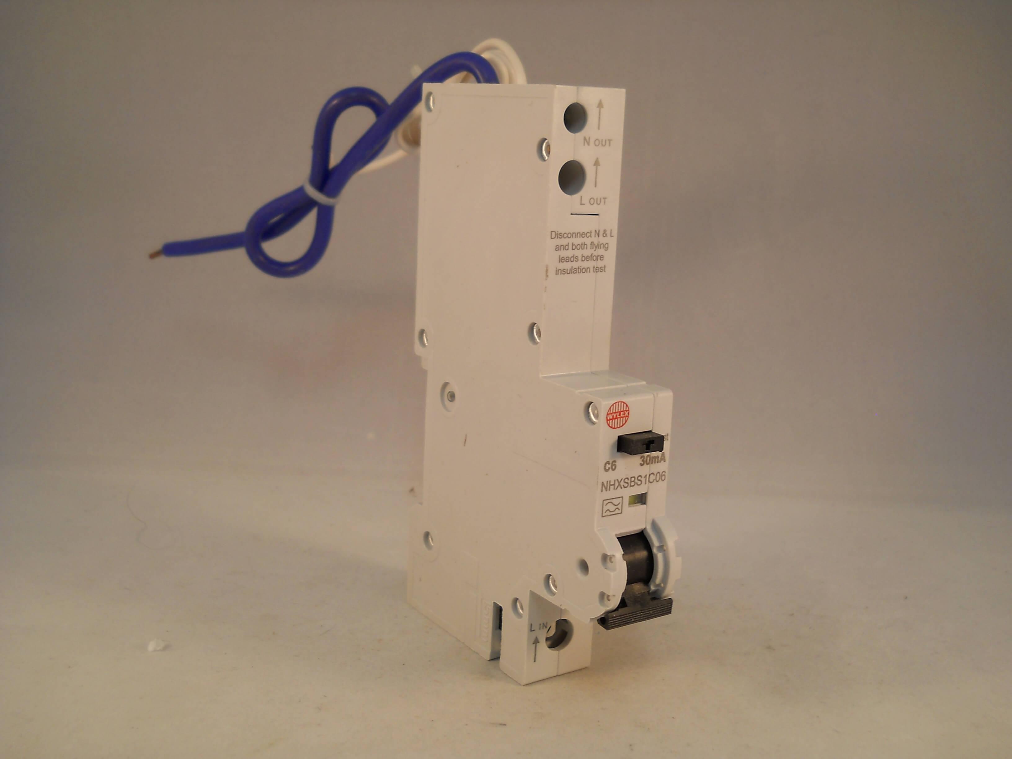 NUOVI * WYLEX NHXSBS1B06 6 Amp S//P TIPO B 30MA RCBO