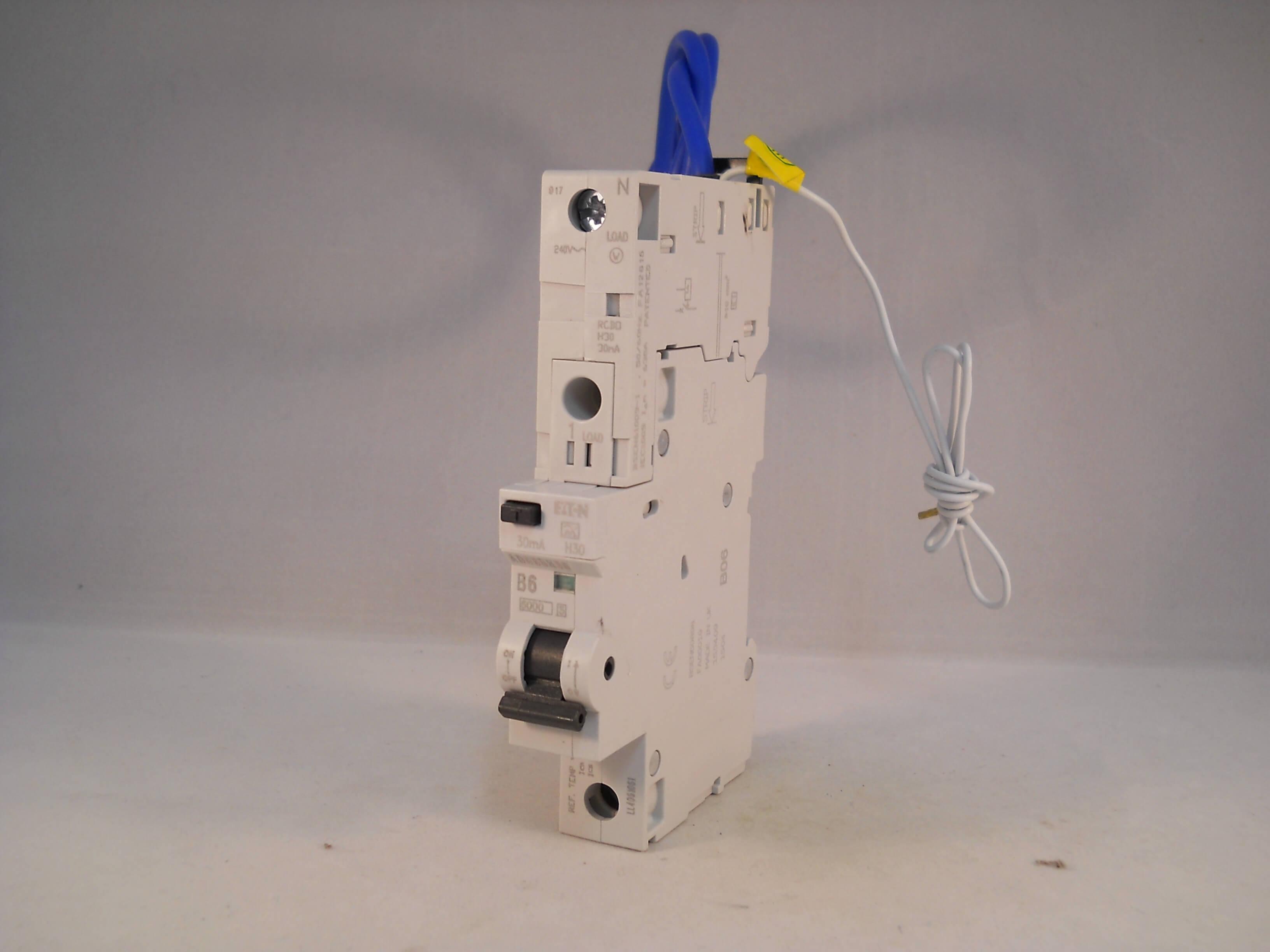 Ifm Electronic SF321A Strömungssensor neu OVP SFR12ABB//2G flow sensor new