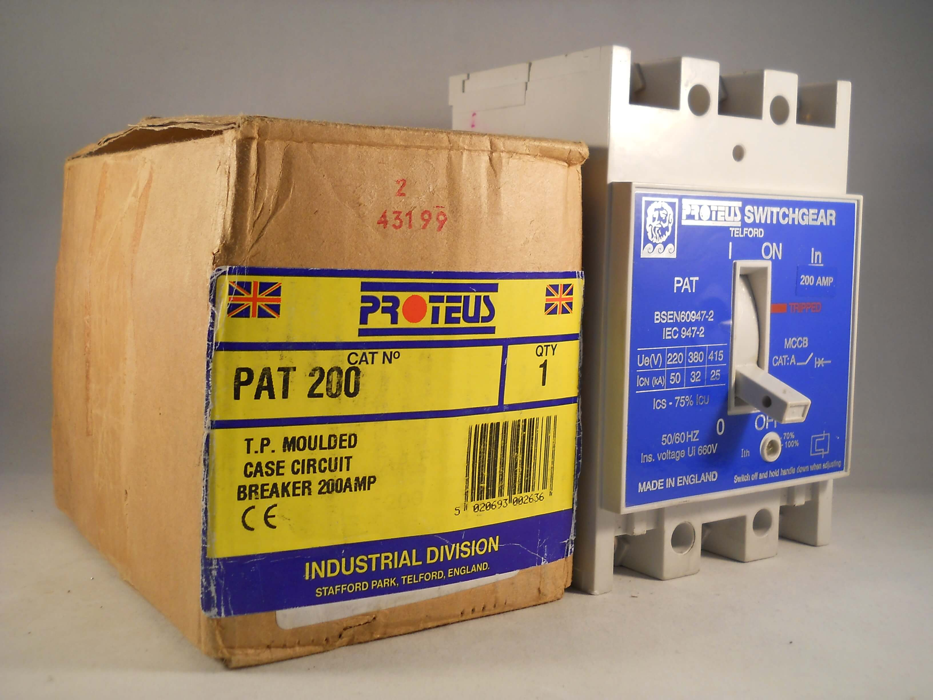 PAT200BOXED 2 proteus mccb 200 amp triple pole 3 phase 200a circuit breaker proteus electrical fuse box at fashall.co