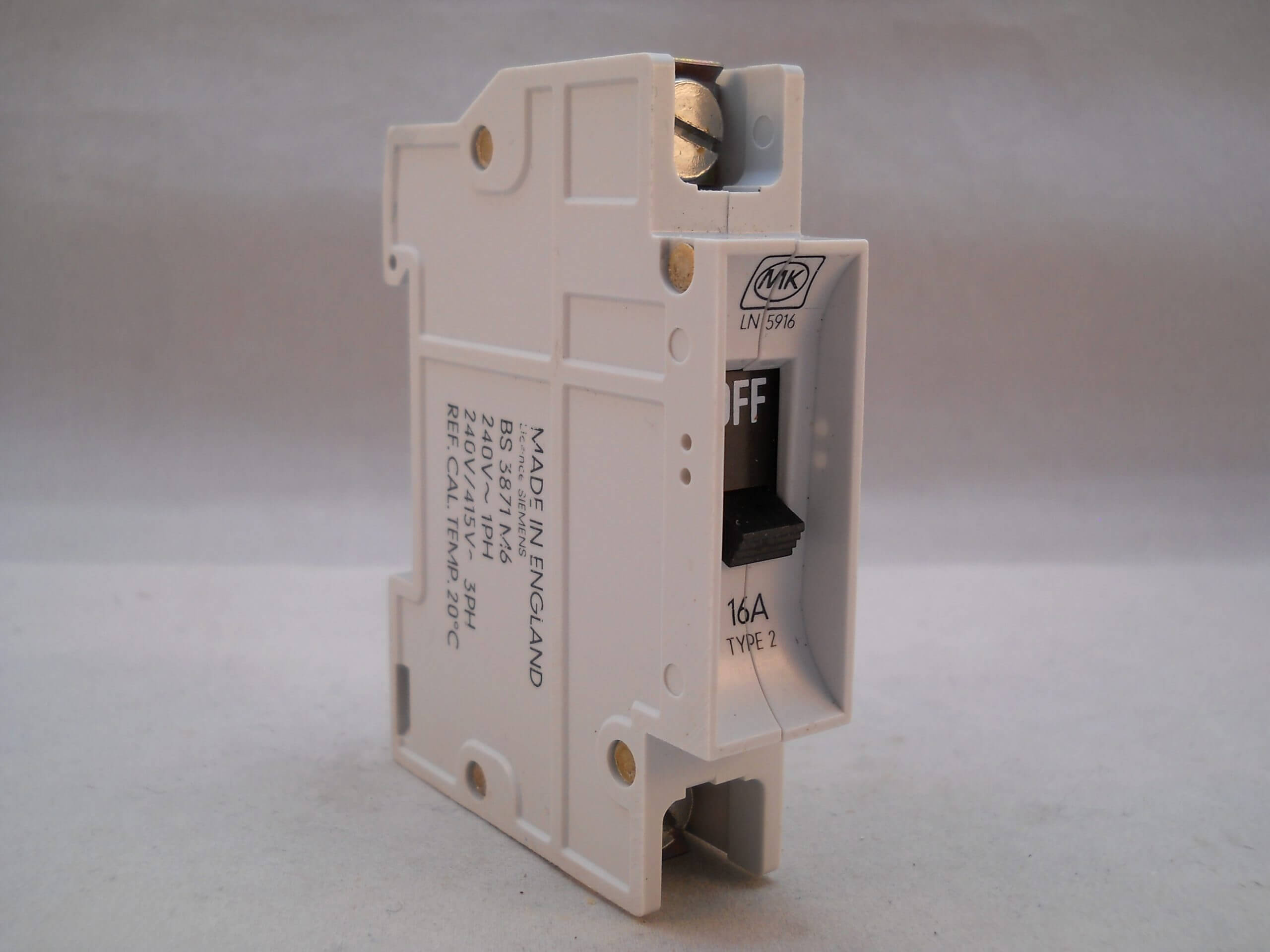 Fuse MK Electrical Circuit Breaker LN5916 B16 240v